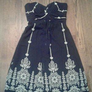 Whitehouse Black market strapless dress